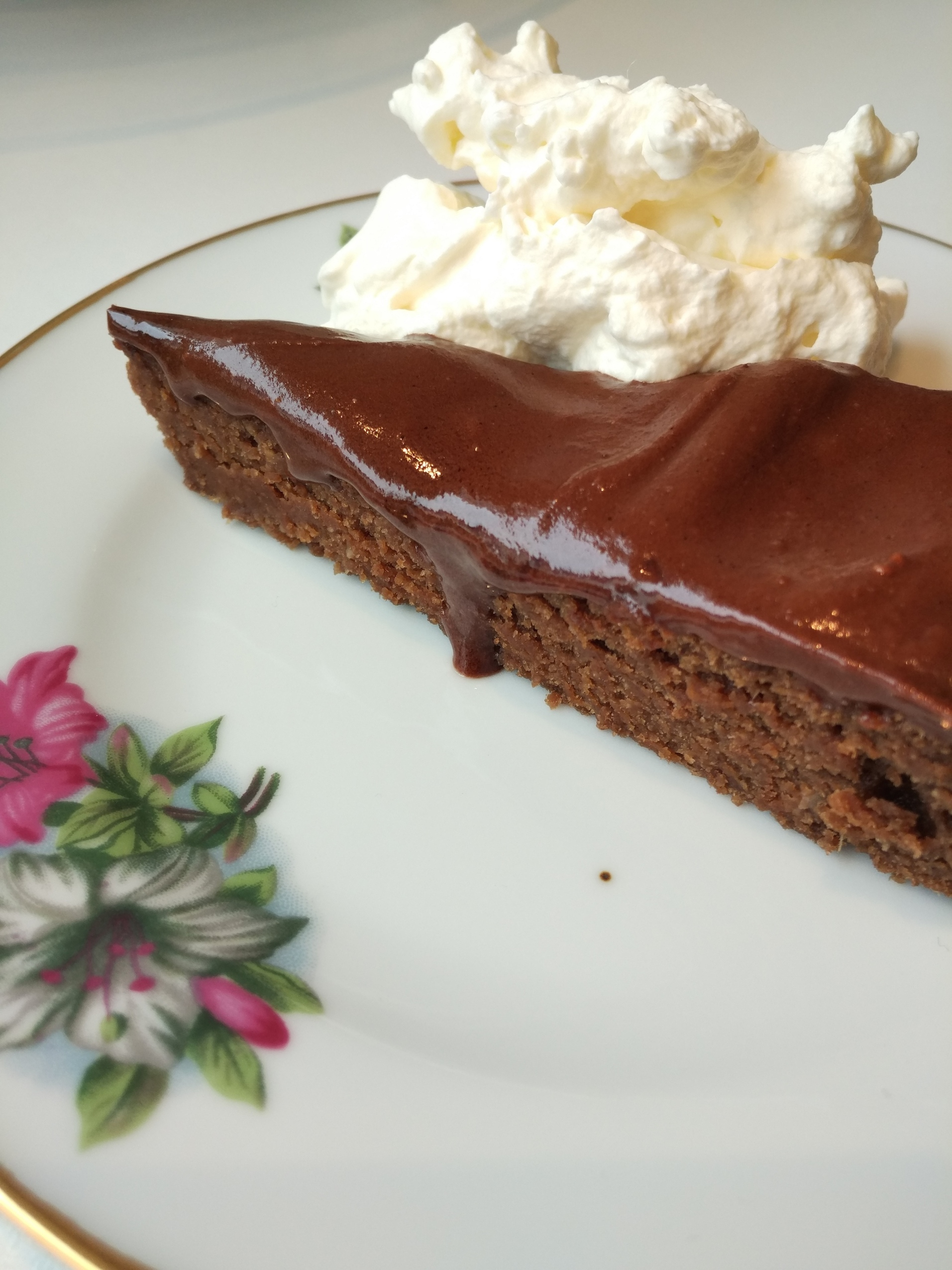 e8284c252 Chocolate cake with dates instead of white sugar - Pure Ebba
